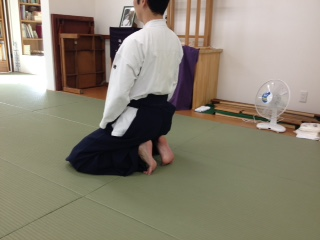 膝行を行う時の姿勢