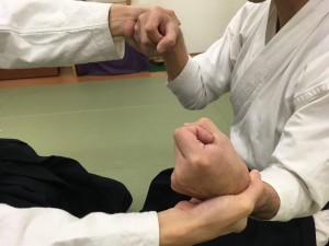座り技両手取り呼吸力②